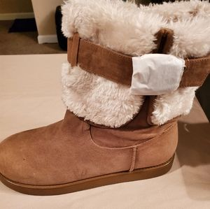 Brown Guess Winter Boots size 8